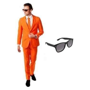 Oranje heren kostuum maat 50 (l) gratis zonnebril