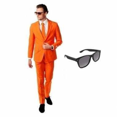Oranje heren kostuum maat 54 (2xl) gratis zonnebril