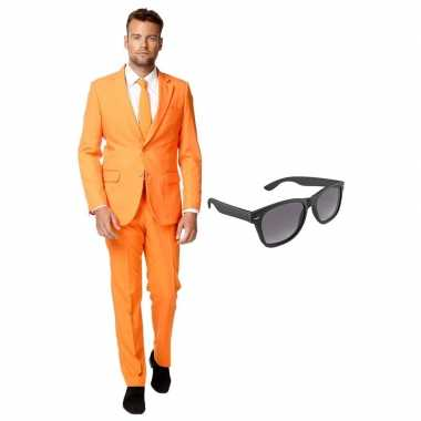Oranje heren kostuum maat 54 (xxl) gratis zonnebril