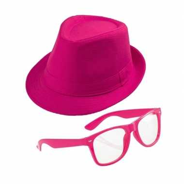 Roze verkleedkostuum trilby hoed zonnebril