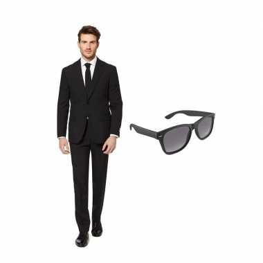 Zwart heren kostuum maat 52 (xl) gratis zonnebril